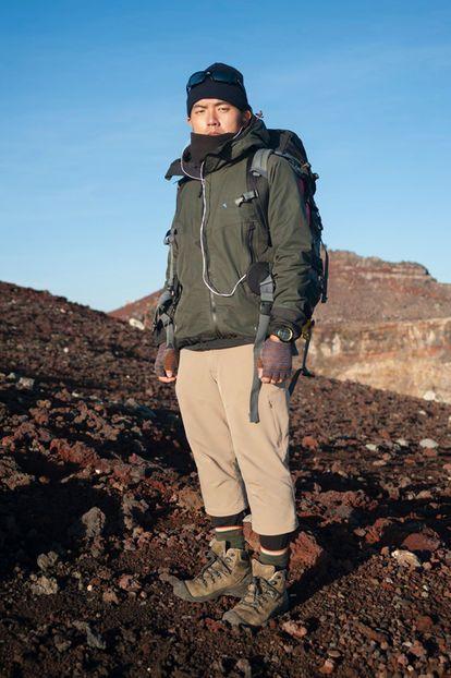 登山 服装 メンズ モンベル | オンラインショップ |...