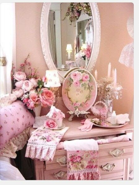 1041 best vintage shabby chic furniture and home decor images on pinterest lamp shades. Black Bedroom Furniture Sets. Home Design Ideas
