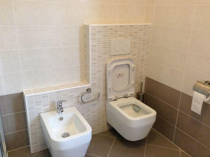 ristrutturazione nuovo bagno. rivestimento: marrone www.ldservices ... - Arredo Bagno Marrone E Beige