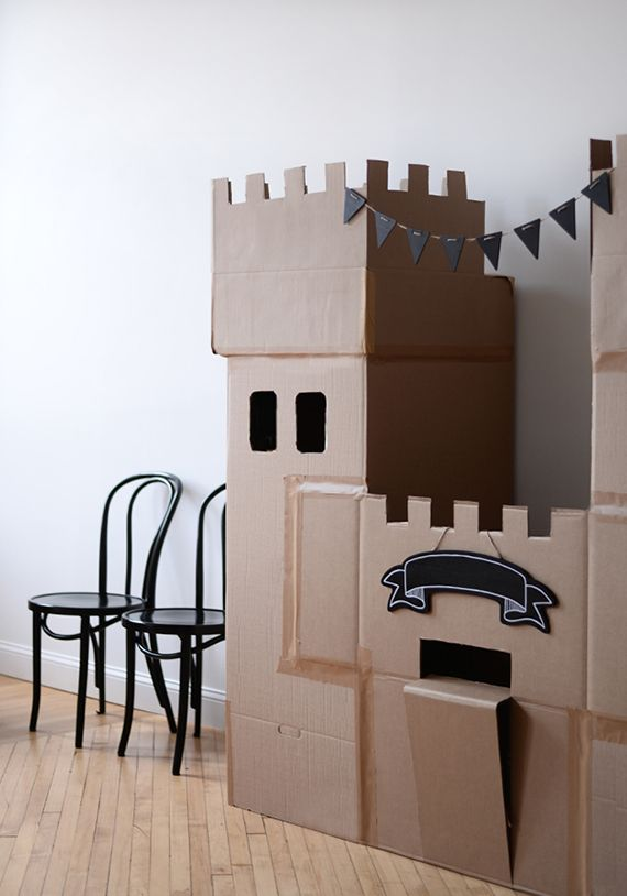Minted Parties: Cardboard Box-Themed Birthday Party