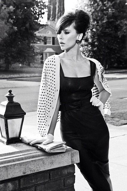 Jennifer Love Hewitt....ok I admit it; I think she is gorgeous and I'm a huge fan. #ghostwhisperer!