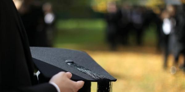 Faktor Ketinggalan Indonesia, Karena Kuliah ke Luar Negeri Untuk S2 dan S3 Saja