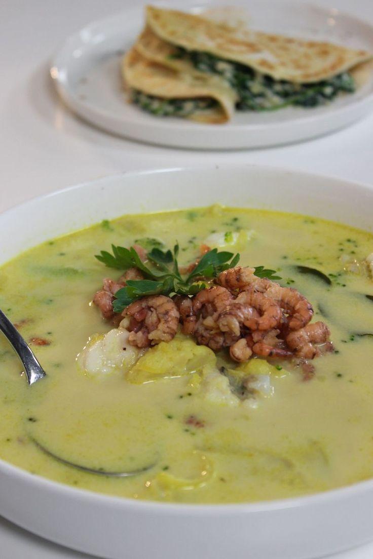 """Het lekkerste recept voor """"Vissoep met grijze garnalen en zeeduivel"""" vind je bij njam! Ontdek nu meer dan duizenden smakelijke njam!-recepten voor alledaags kookplezier!"""