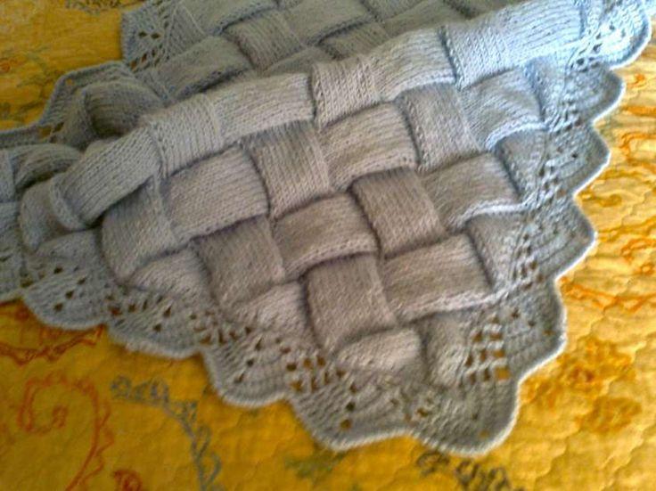 schemi maglia per copertine - Copertina per neonati a treccia