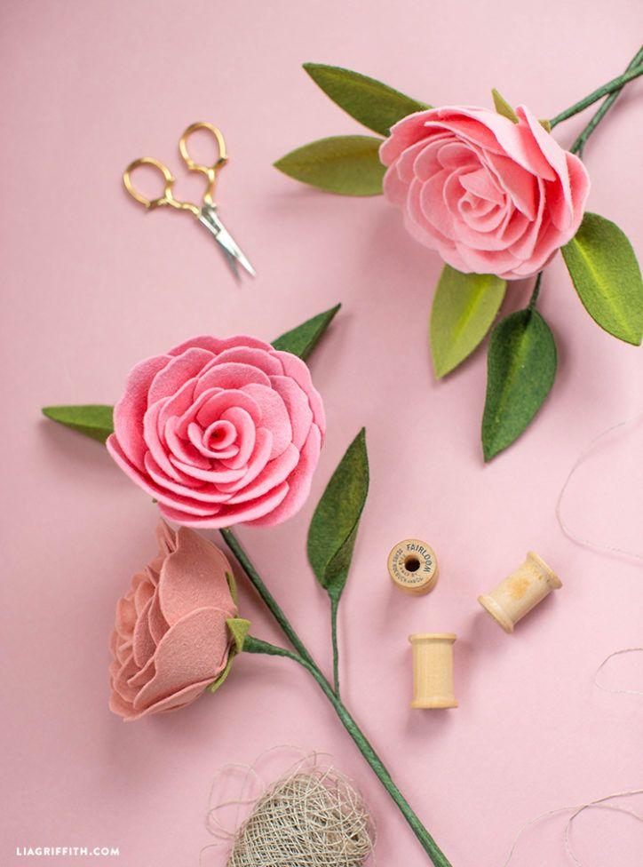 Create A Camellia Diy Felt Flower With Pan Pastel Details Felt Flowers Patterns Felt Flowers Diy Felt Flowers