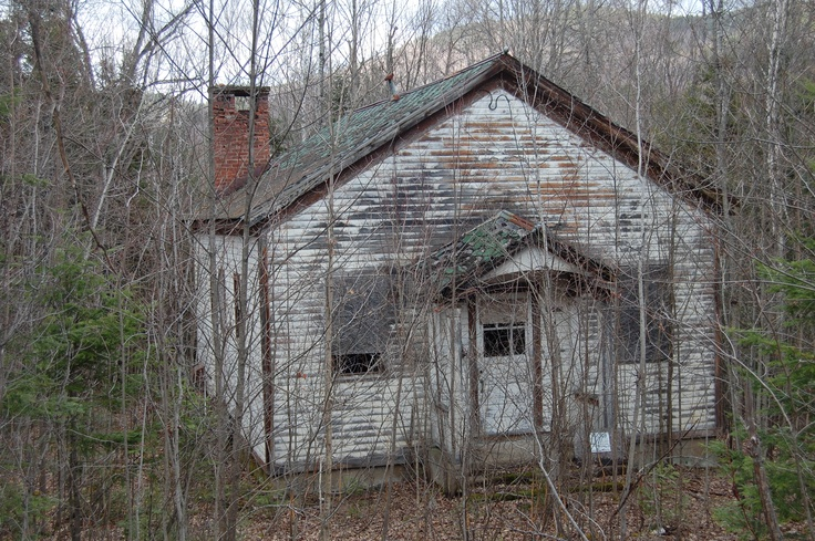 44 best images about one room schoolhouses on pinterest red houses texas county and house - The house in the abandoned school ...