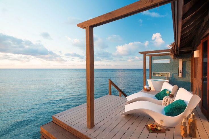 Ein Traum vom Luxusurlaub über der türkisblauen Karibik