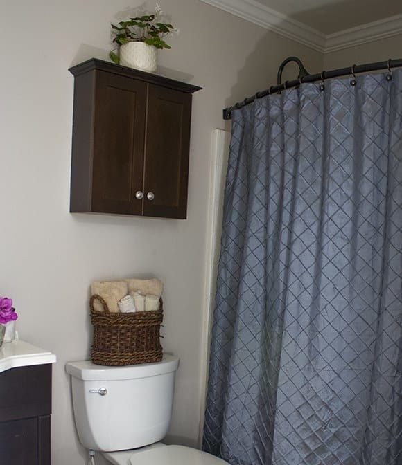 21 Quick Ways To Make Your Bathroom The Best Room In Your Entire House Budget Bathroom Cool Rooms Gray Shower Curtains