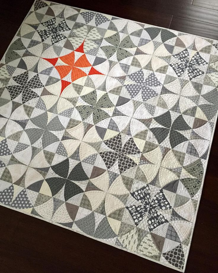 """I am in love with this quilt! I've always loved the traditional Winding Ways design...in fact I hand appliqued a whole Winding Ways quilt years ago and…"""