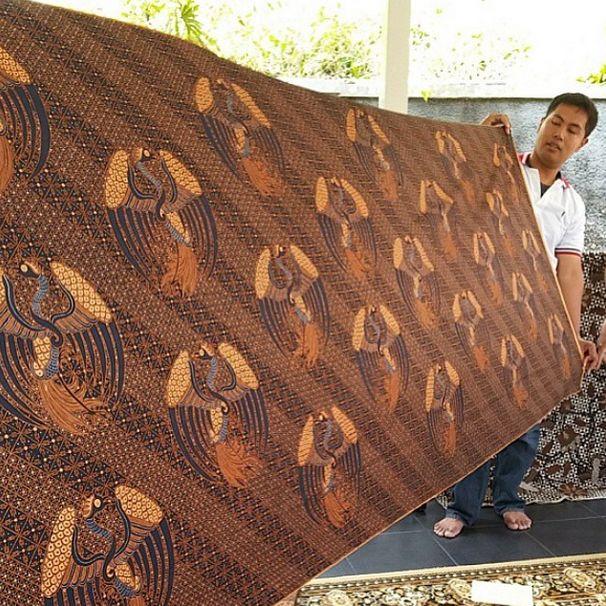 Indonesian Batik at Go Tik Swan Gallery, #APSDAday2 creative tour. #livefromapsda2014 pic of @apsdaindonesia