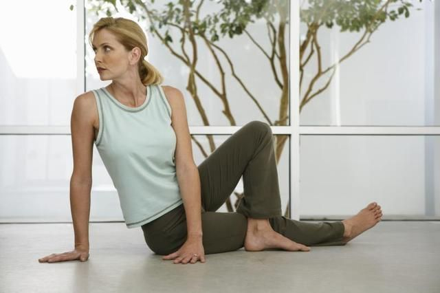 The Best Exercises for Sore Hips & Knees (some seated exercises too..)