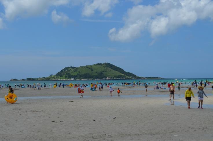 hyeopjae beach -jeju do