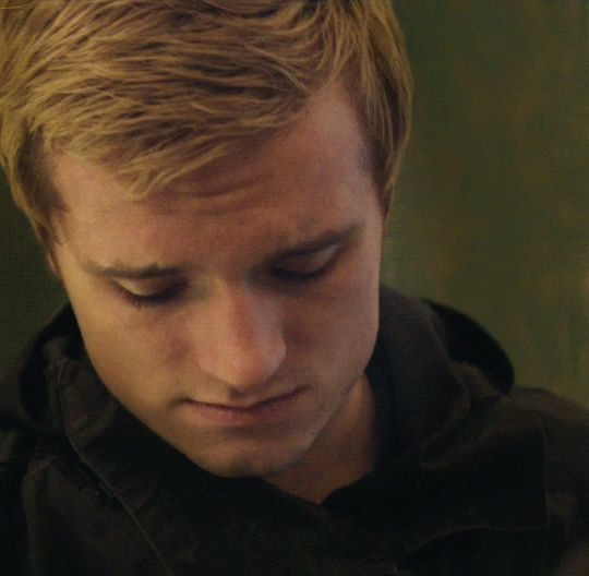 Heartbreaking look peeta mellark mockingjay part 2