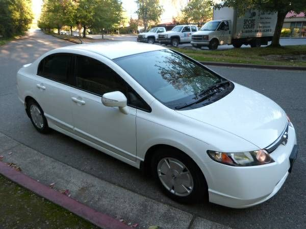 2008 Honda Civic Hybrid --Gas Saver, Navigation, Clean title-- - $12595 (kirkland)