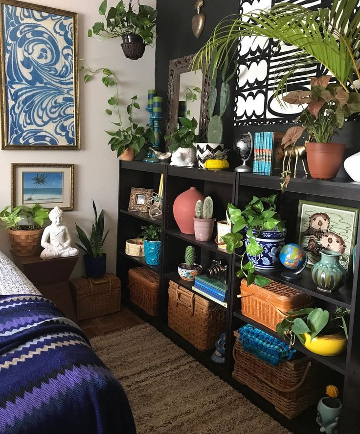"""1,883 Likes, 50 Comments – Lilly Ortiz (@lillithortiz) on Instagram: """"The bedroom shelves shifted colors and plants. Happy Sunday for you all! . . …."""