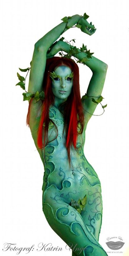 Body Paint Poison Ivy [Cosplay]