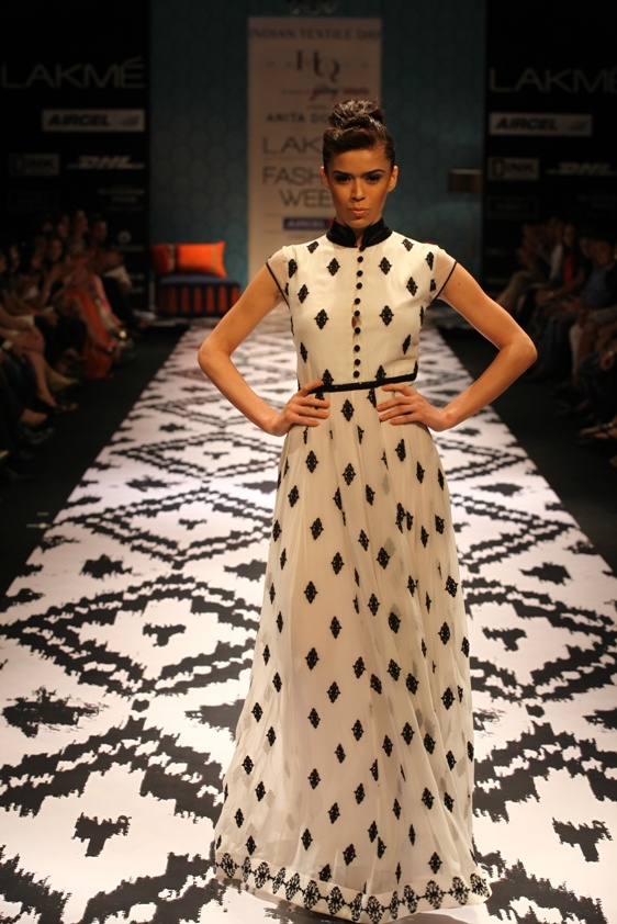 'Waves of Joy' by Anita Dongre