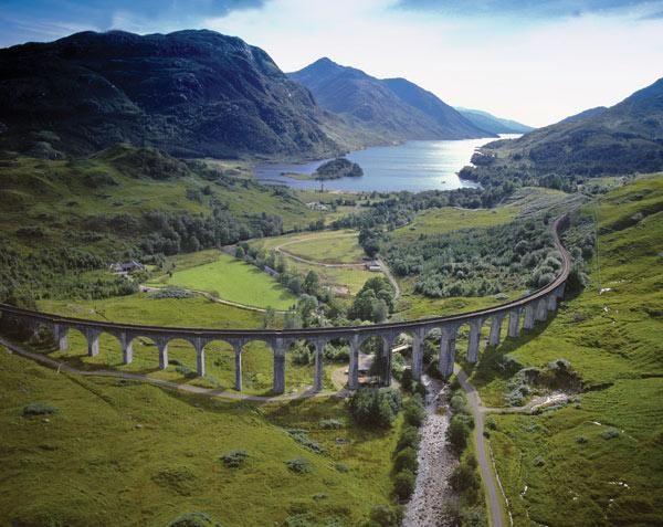 Glenfinnan Railway Viaduct, West Highlands, Scotland