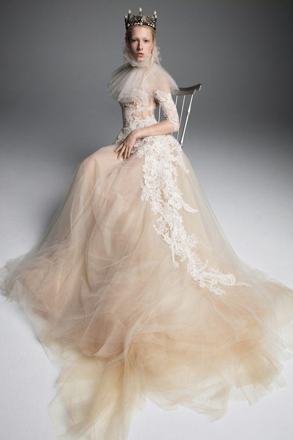 Vera Wang Fall 2019 Collection Wedluxe Magazine Vera Wang Bridal Wedding Dresses Vera Wang Expensive Wedding Dress