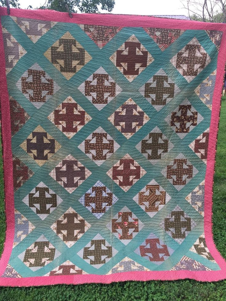 ANTIQUE/VINTAGE EARLY HAND QUILTED CALICO CHURN DASH VARIATION QUILT