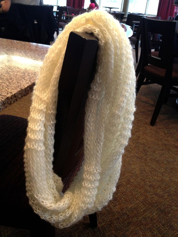 "Knit Your Life: ""Tiffany Infinity Scarf"" (FREE Pattern)"