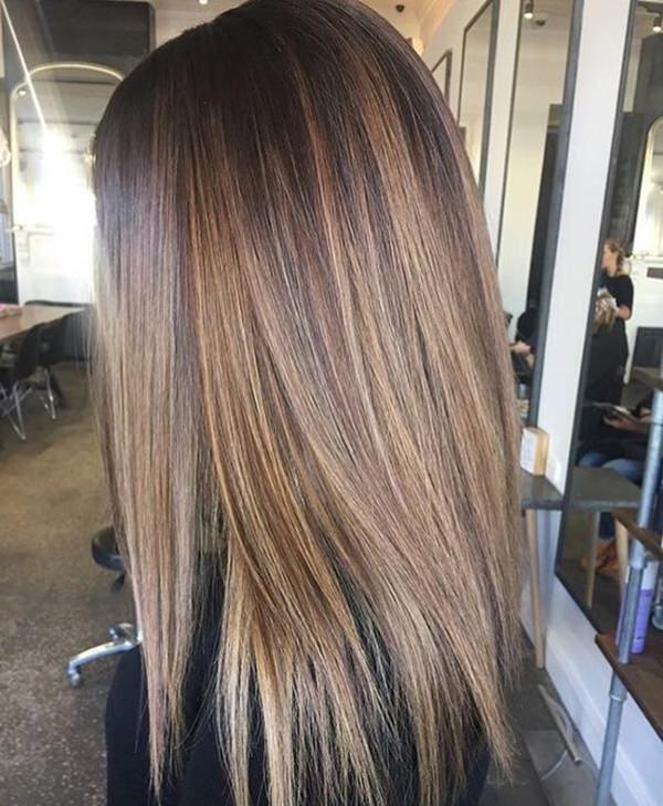 54 Ash Brown / Brunette hair