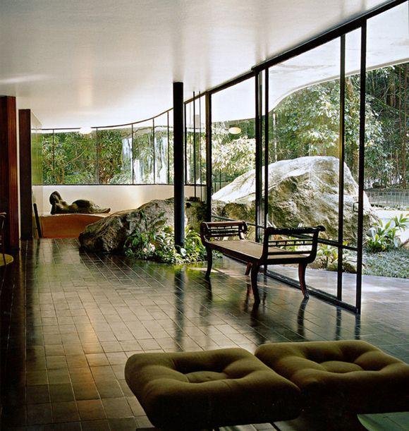 Dos Canoas House by Oscar Niemeyer