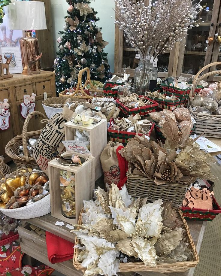 Christmas 🎄is nearly here🙀#christmasdecorations #christmasshopping #decoration #moontashopping #minerscouch