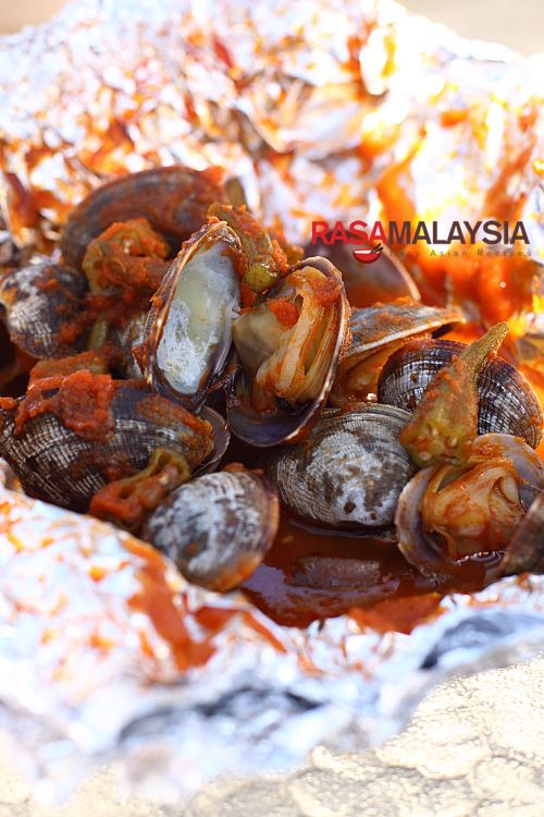 130 best malaysian food and recipes images on pinterest cooking bbq clams malaysian stylemalaysian style bbq seafood recipe to prepare these mouthwatering forumfinder Choice Image