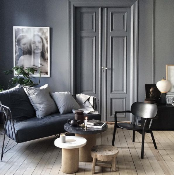 all paint grey with blue and black in the living room... -krakvik dorazio hem