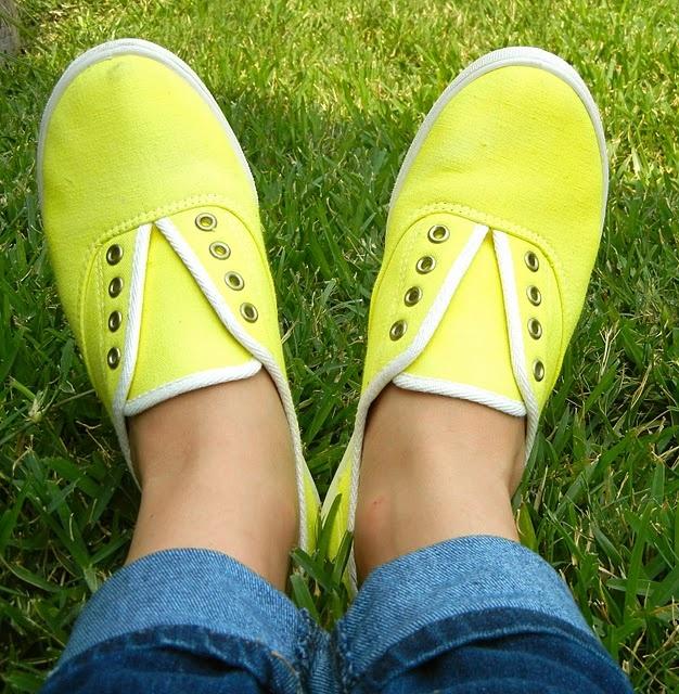 DIY laceless tennis shoes.
