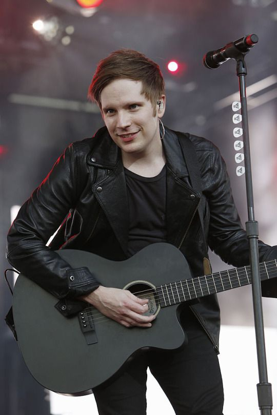 17 Best ideas about Patrick Stump on Pinterest | Fall out ...