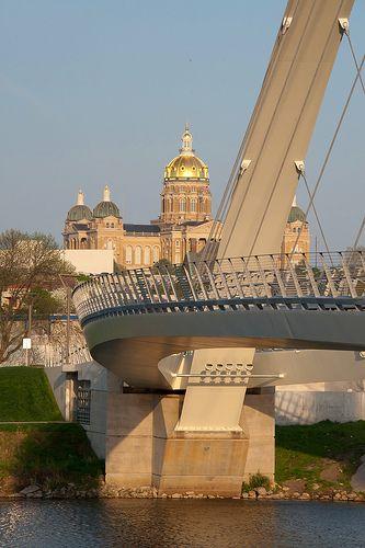 Des Moines Riverwalk Pedestrian Bridge.  I ran over this bridge during the 5k a few years ago.  Good times.