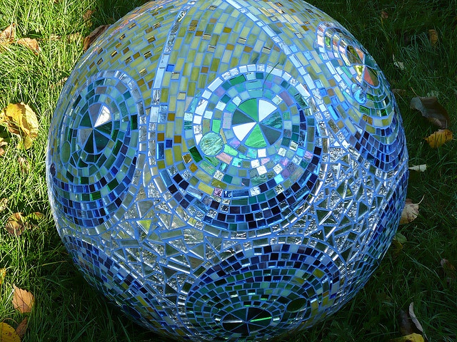 233 Best Garden Art With Bowling Balls Images On Pinterest | Garden Balls,  Bowling Ball Art And Mosaic Art