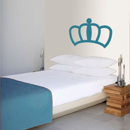 We already knew you're the queen of the house, but now it has become clear to everybody. For the door, on the bed, in the bathroom ... where are you going to put it?
