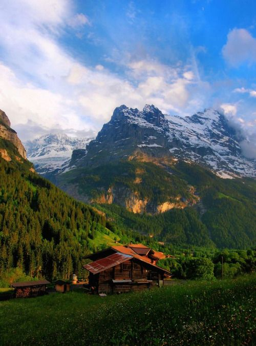 Mountain hut above Grindelwald / Switzerland (by Michael).