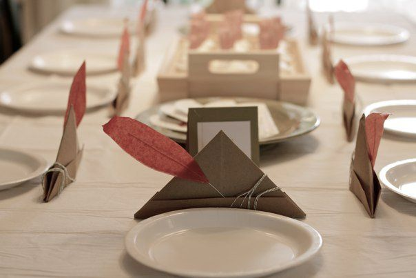 Peter Pan Hats Table Decor from Swoon Studio http://swoonstudio.blogspot.com/2011/04/peter-pan-party-reveal-part-one.html# #peterpan #peterpanparty