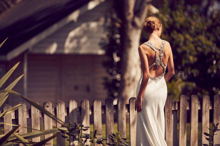 13 best pronovias emmett images on pinterest wedding for Wedding dress cleaning baton rouge