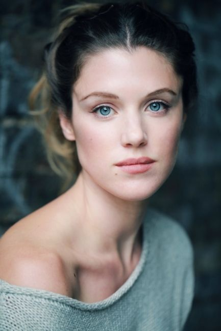 Lucy Griffiths, the only actress I kinda sorta look like. Though she's gotten really skinny.