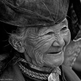 """Hopes are like hair ornaments. Girls want to wear too many of them. When they become old they look silly wearing even one."" - Arthur Golden / Beautiful old people: The Face"