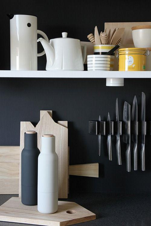 Edina's KitchenWhite Danishes Kitchens, Architects, Kitchens Wall, Black White, Black Kitchens, Design Shops, Danishes Design, White Kitchens, Nordic Leaves