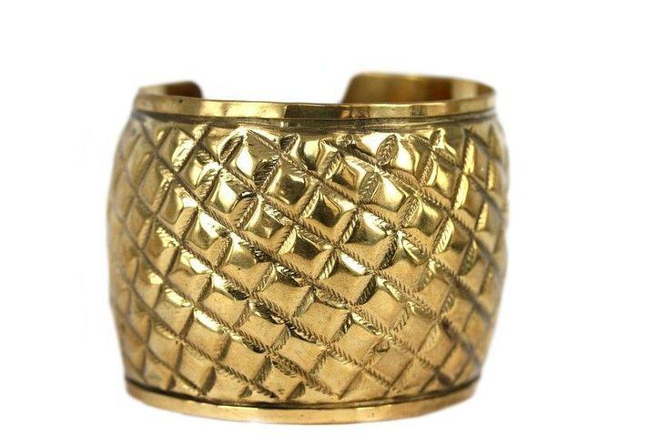 Plus de 1000 id es propos de bijoux ethniques africains for Comment nettoyer le cuivre jaune