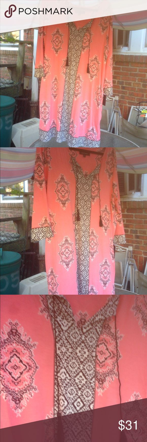 Gorgeous Ellen Tracy Nightgown Sz L BNWT Beautiful no ho chic nightie from Ellen Tracy. Great for those chilly evenings in bed. Doesn't look like the average moo moo. Simply stunning. Size Large. Ellen Tracy Intimates & Sleepwear Pajamas