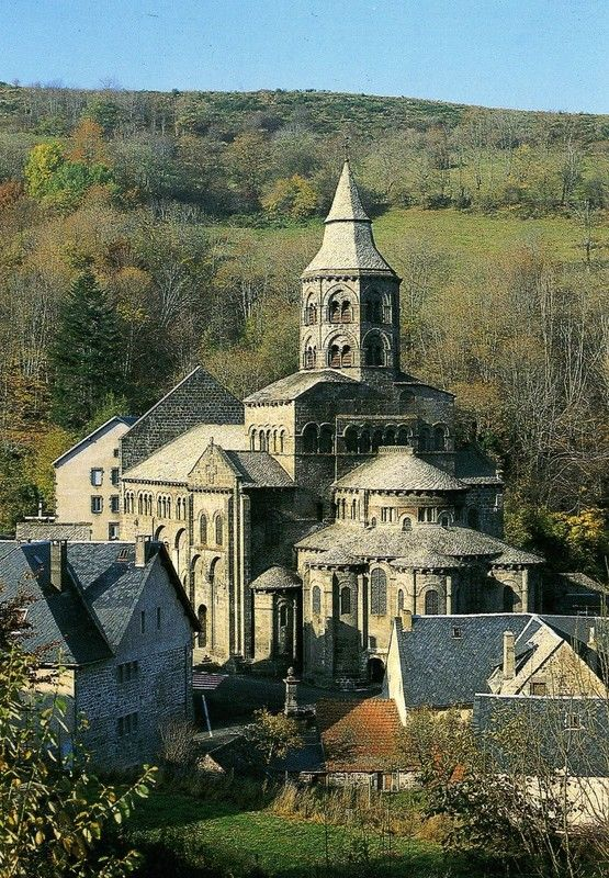 2871 best places of worship images on pinterest for Architecture romane