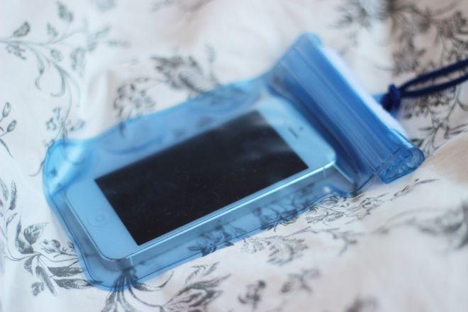 GADGET | Douchen en onderwaterfoto's met je telefoon, ja. - Lifesplash