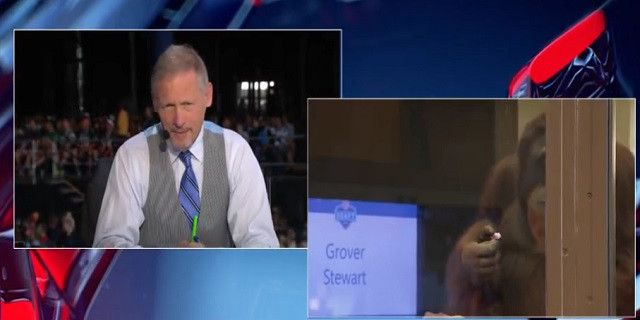 Pissed Off Mike Mayock Threatens To Walk Off Set, Rips The NFL Network On Air For Silly Zoo Prop During Draft - http://viralfeels.com/pissed-off-mike-mayock-threatens-to-walk-off-set-rips-the-nfl-network-on-air-for-silly-zoo-prop-during-draft/