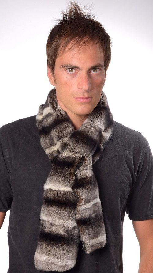 Soffice sciarpa in pelliccia in rex-cincilla. Sciarpa unisex lavorata artigianalmente a mano in Italia.  www.amifur.com