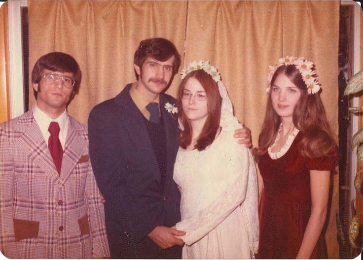 1974,  Wow, groovy sport coat best man! And look at the flower crowns. Love how they've made a comeback!  ☮  ✌