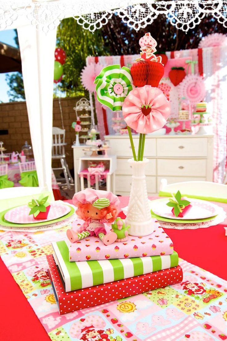 Strawberry Shortcake Centerpiece -could this be a good idea for headband or party favour?