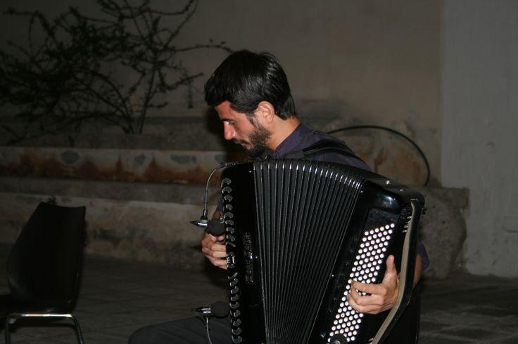 Rocco Nigro e la sua incredibile fisarmonica ad Aperto Per Ferie 2013